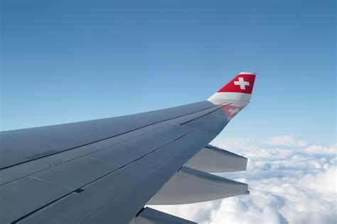 best airline reviews best and worst airlines review theluxuryvacationguide
