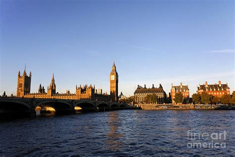 thames river america big ben and the houses of parliament by the river thames