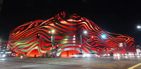 Stanlees Visions Become Reality At The Sf Opera Dinner by Unique Facade Stainless Steel Ribbons Using Its Patented