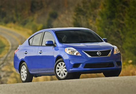 nissan 2014 versa 2014 nissan versa review ratings specs prices and