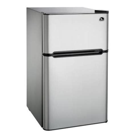 igloo 3 2 cu ft mini refrigerator in stainless steel