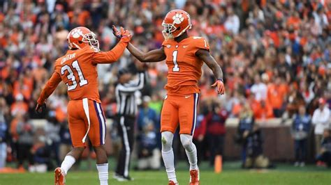talks awards tigers and gamecocks clemson football news tigernet clemson football dabo talks injuries from florida state