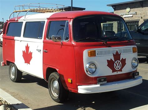volkswagen hippie van this volkswagen bus spells canadian hippie movement