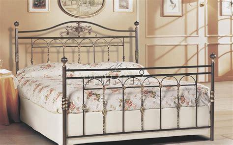 ladari in ferro battuto bianco letto ferro battuto bianco ikea divani colorati moderni