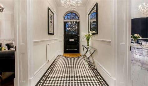easy ways    hallway  bigger zoopla