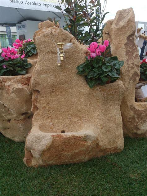 fontana in pietra da giardino fontane da giardino in pietra un mondo in pietra