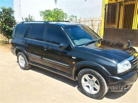 Mobil Escudo 1 600 Tahun 2005 jual mobil suzuki grand escudo 2005 xl 7 2 5 di jawa barat