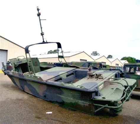military tug boats for sale this combat support boat is on govliquidation bidding