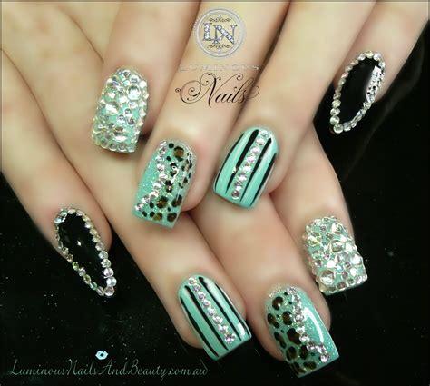 patterned fake nails cheetah print acrylic nails nails and beauty gold