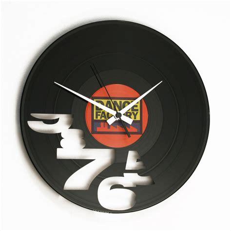 vinile italiano orologio in vinile design italiano i ll never work again
