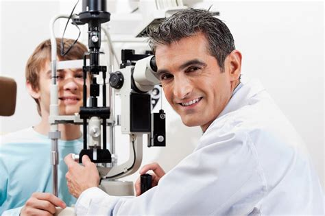 Dr Care Eye eye doctor in kelowna bc providing eye exams and eye care