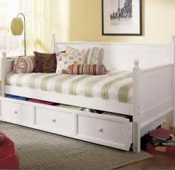 White Trundle Daybed 7 White Daybeds With Storage Drawers Furniture