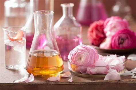 Trick Worth Trying Layering Scents by How To Make Perfume Last Longer Reader S Digest