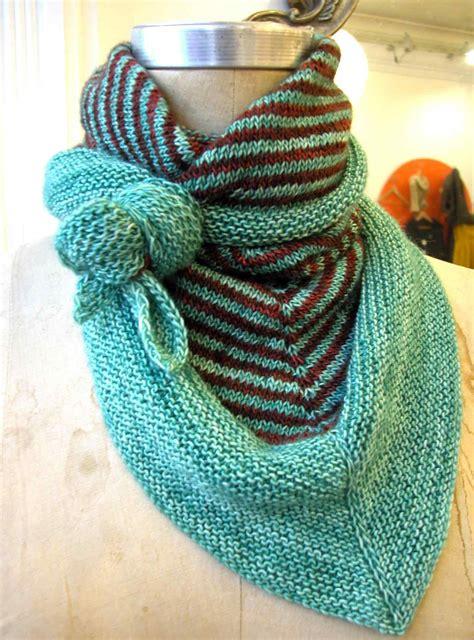 triangle pattern knit scarf 7 triangle scarf knitting patterns the funky stitch