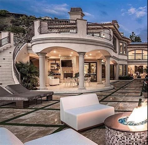 25 best ideas about luxury houses on luxury