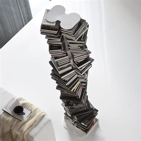libreria a colonna libreria a colonna un totem arreda in verticale