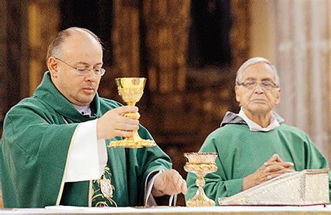 imagenes de sacerdotes orando 191 cu 225 nto gana un sacerdote cat 243 lico en m 233 xico