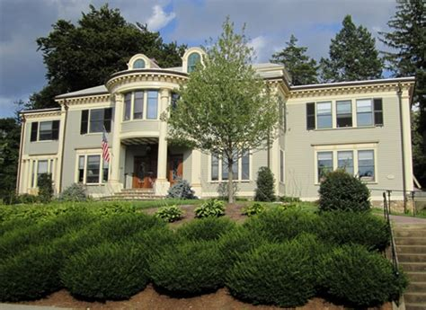 massachusetts colonial revival historic house colors