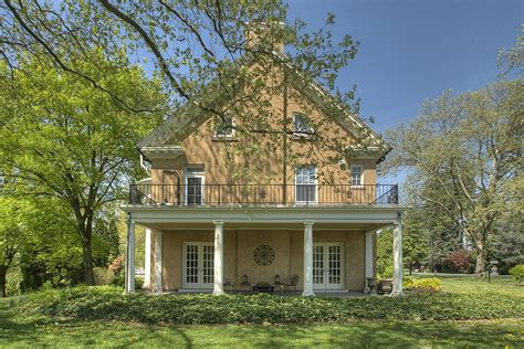 taylor swift parents house update taylor swift s childhood home in pa sells for 700 000