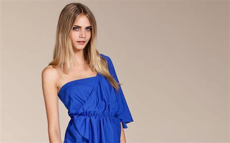 women model  delevingne blonde   viewer