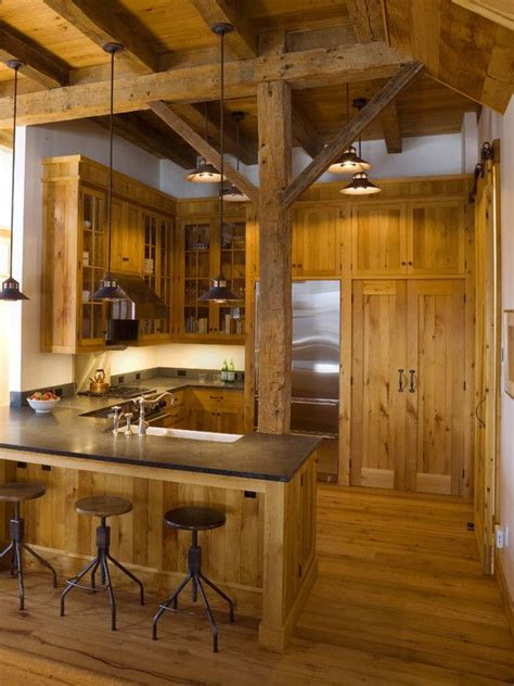 cabin kitchens ideas 25 best ideas about small cabin kitchens on