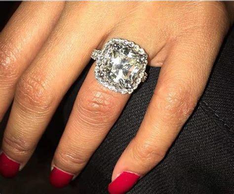 Nicki Minaj Shows Off Another Massive Diamond Ring From   nicki minaj shows off massive diamond ring from meek mill