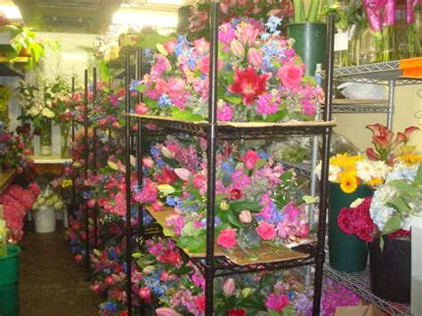flower design new york boston florist cements alliance with new york city florist
