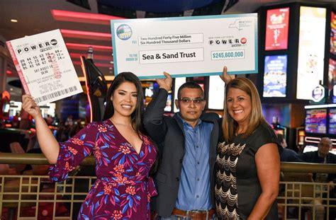 staten island man claims winning  million powerball