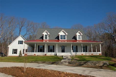 3 559 Sqft Colonial Farmhouse First Floor Master 2 Car Farmhouse Plans