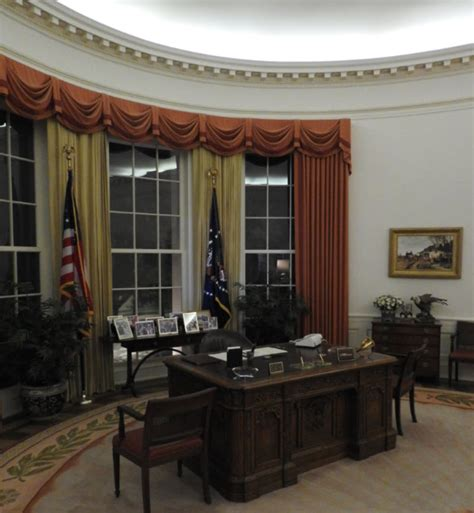 oval office tour at the ronald reagan library youtube ronald reagan presidential library bits and pieces
