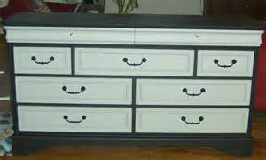 How To Paint A Dresser by How To Paint A Dresser And How To Evenly Paint Drawer