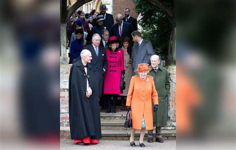 meghan markle to spend christmas with prince harry royal meghan markle prince harry with royal family on christmas