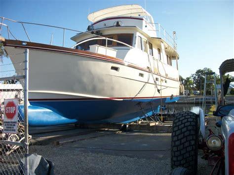 boat bottom paint florida bottom paint jobs bob annie s boatyard saint james