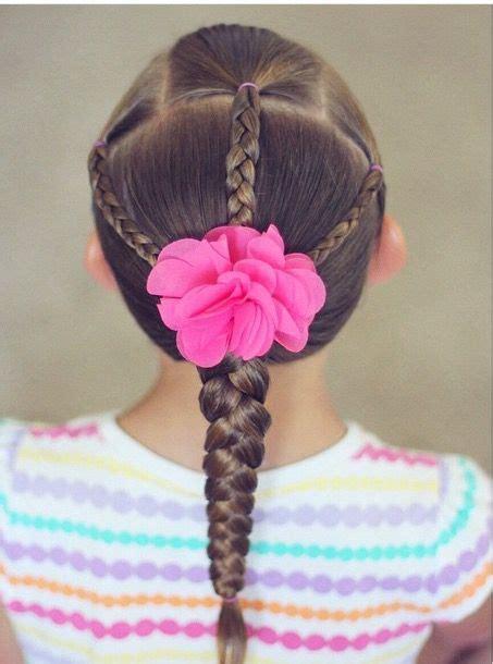 flores sao lindase em um penteado lindo desses se torna