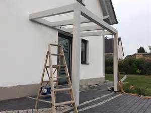 haus vordach ein vordach aus holz selber bauen eine anleitung