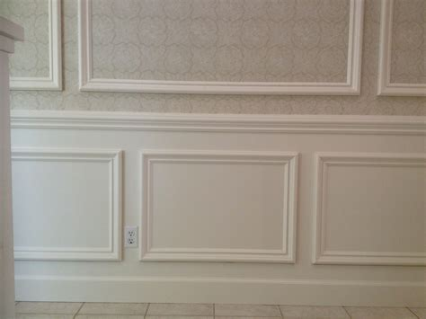 Frame And Panel Wainscoting This Classical Style Wainscoting Is Applied With A 3 8