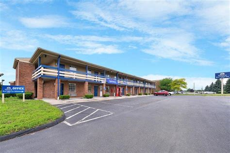Hotels With In Room Toledo Ohio by Americas Best Value Inn Maumee Toledo Updated 2017
