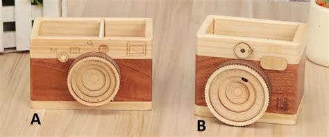 wooden camera shaped  holder feelgift