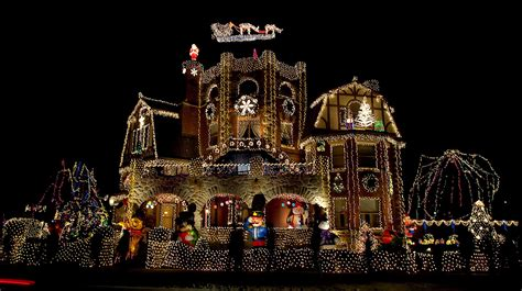 100 christmas lights on house kokodonat sydney christmas