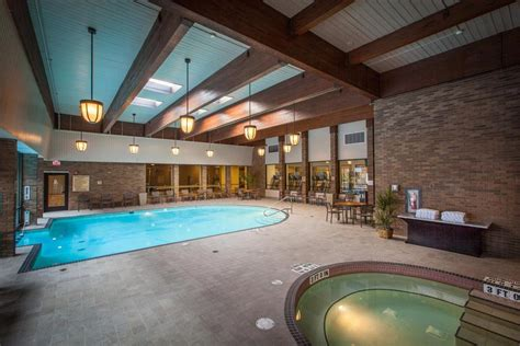 hotels with in room pittsburgh pa doubletree by hotel pittsburgh green tree in pittsburgh hotel rates reviews on orbitz