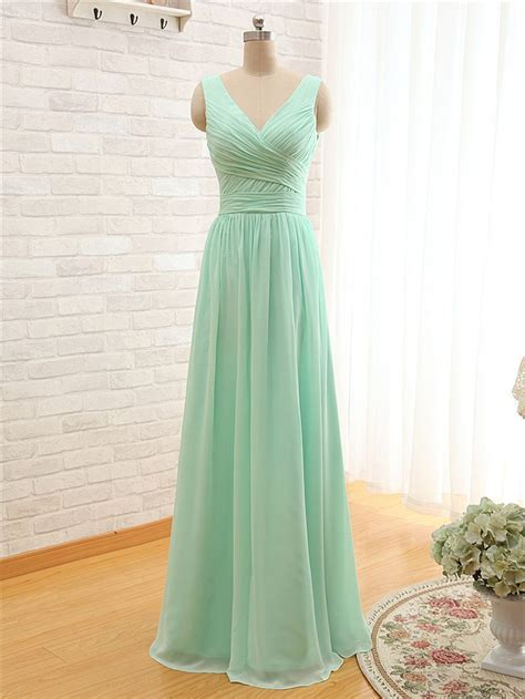 17 Best ideas about Mint Green Bridesmaids on Pinterest