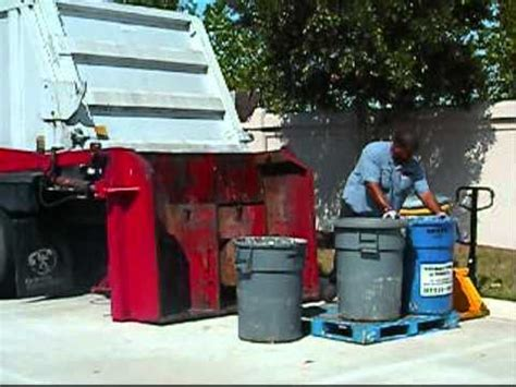 tom hughes waste management garbage disposal with garbage truck pulverizing action