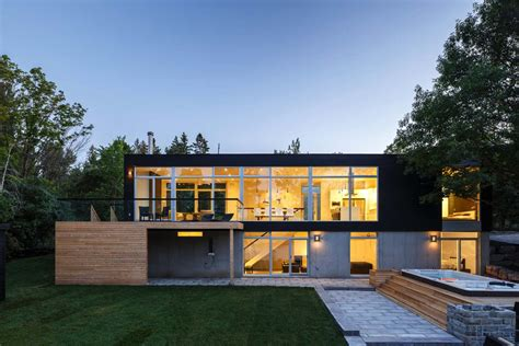 unique custom home design christopher simmonds architect walls of glass define this spectacular modern house in