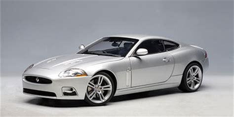 Diecast Mobil Jaguar Xkr Silver jaguar xkr coupe diecast model car in liquid silver by autoart in 1 18 scale