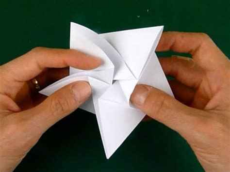 Easy Home Made Christmas Decorations folding 5 pointed origami star christmas ornaments