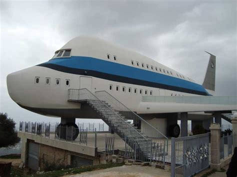 airplane house vedio top 21 most bizarre crazy and unusual houses in