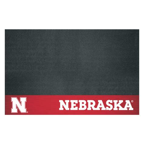 fanmats of nebraska 26 in x 42 in grill mat