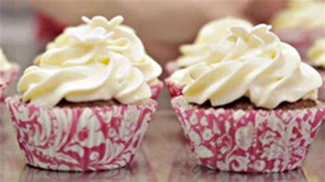 hochzeitstorte cupcakes cupcake hochzeitstorte