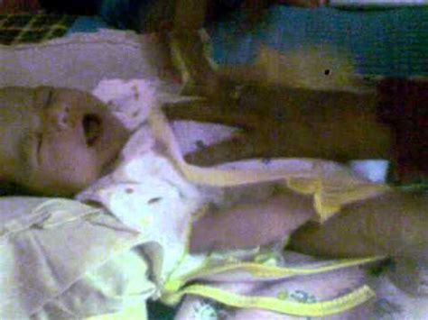 Popok Bayi 4 cara memakai popok pada bayi