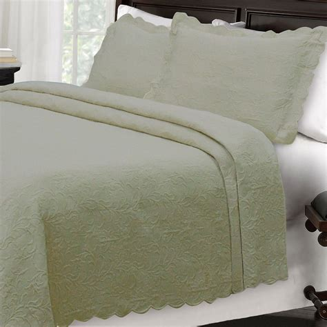 linen coverlet majestic scalloped brocade matelasse coverlet bedding